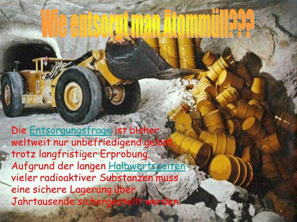 Der mengenmäßig überwiegende Teil der Abfälle entsteht durch die Uranwirtschaft: Der größte Teil mit rund 80 % der radioaktiven Abfälle stammt aus dem Uranabbau (Abraum und Tailings) und wird in der Nähe des jeweiligen Uranbergwerks gelagert.