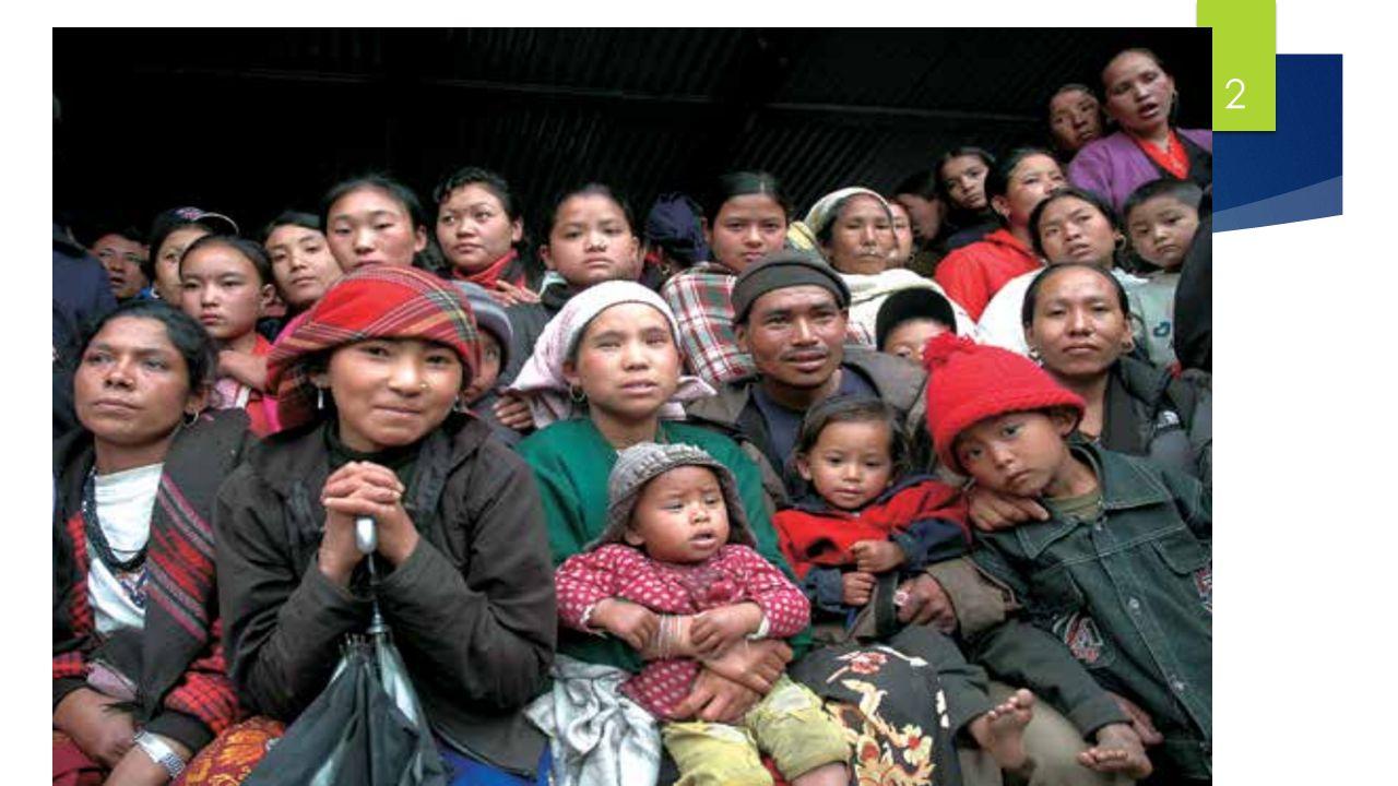 1.) Die Ausgangssituation – vielschichtige Herausforderungen, nun verstärkt durch das Erdbeben  Divergenz zwischen Kasten, ethnischen Gruppen, Regionen  Einkommensarmut und Mangelernährung  Erdbeben  betrifft geografisch Teile des Landes, die sozial und ökonomisch bessergestellt waren  Trifft sozioökonomisch Frauen und Kinder am härtesten 3