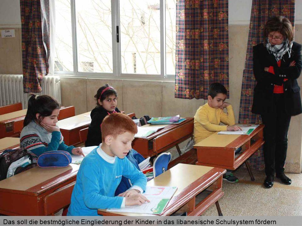 Aufgrund der großen Unterschiede zwischen den Schulsystemen beider Länder haben die syrischen Kinder, besonders in den Fächern Englisch und Französisch, starken Aufholbedarf