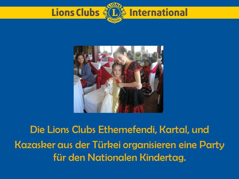 Talentiert Lions nehmen während des internationalen Kongresses, am internationalen Lions Performance Festival teil.