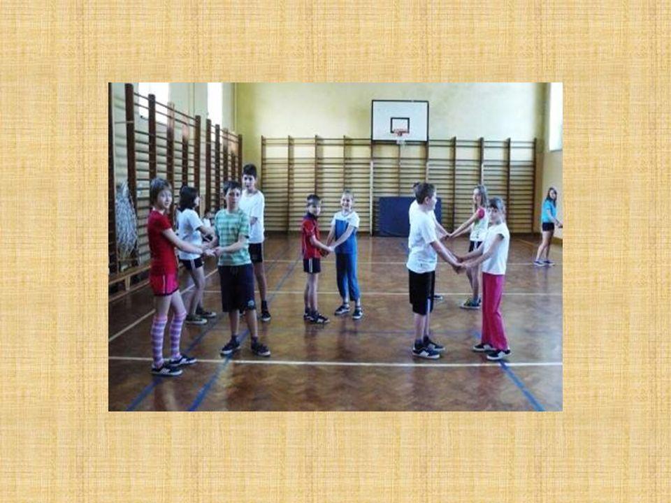 2.Sportliche Aktivitäten Auch in unserer Schule gibt es keinen Mangel an Sport.