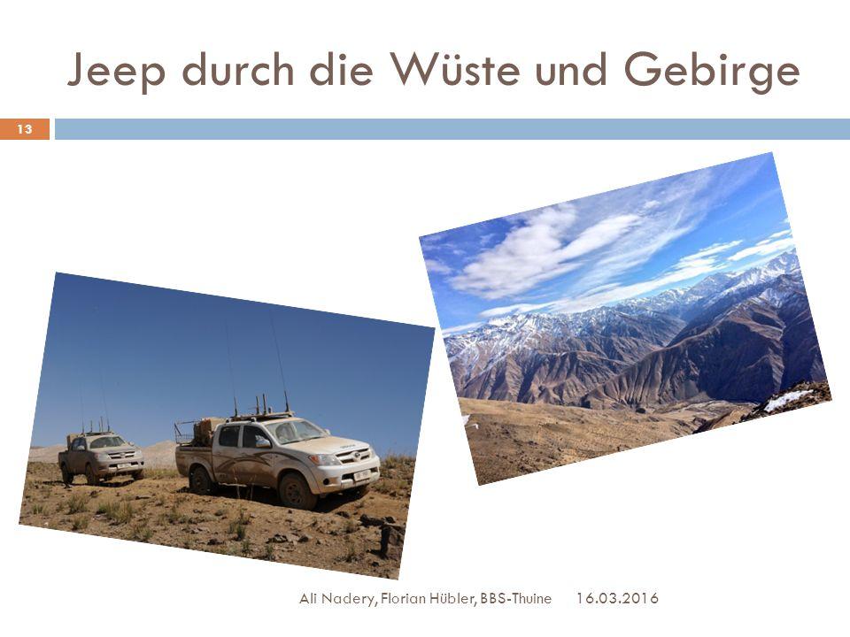 Jeep durch die Wüste und Gebirge