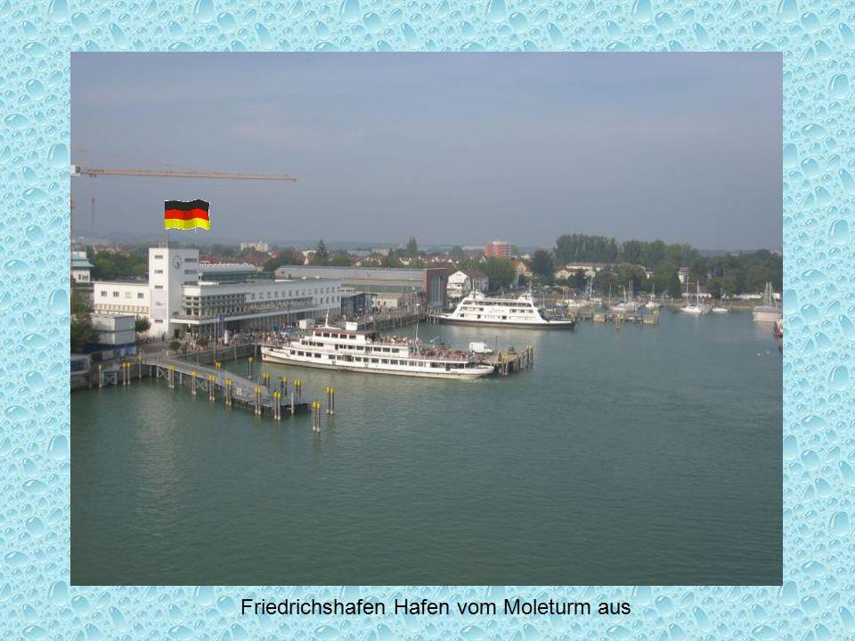 Friedrichshafen Hafen vom Moleturm aus