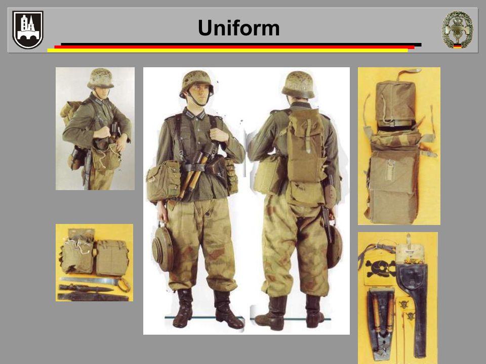 Uniform Beispiel einer Wehrmachtsuniform / - ausrüstung