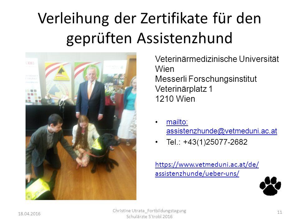 Verleihung der Zertifikate für den geprüften Assistenzhund