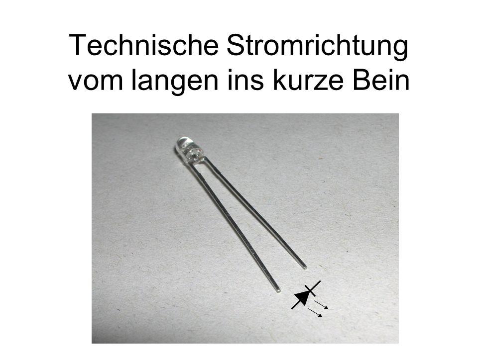 Technische Stromrichtung vom langen ins kurze Bein