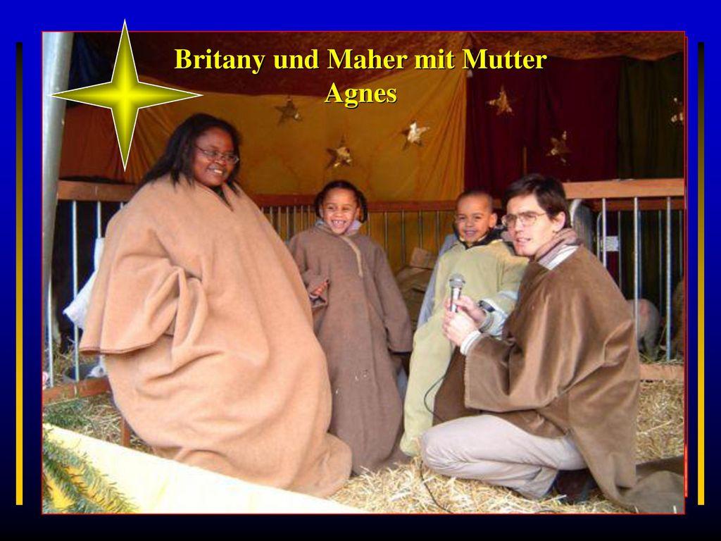 Britany und Maher mit Mutter Agnes