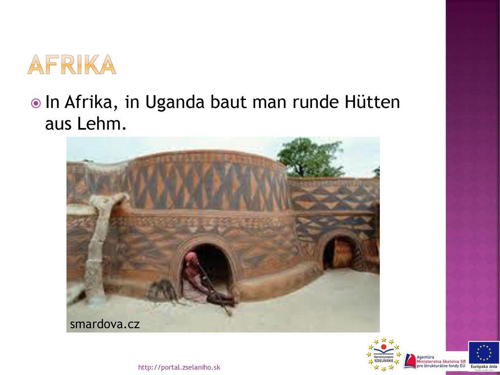 afrika In Afrika, in Uganda baut man runde Hütten aus Lehm.