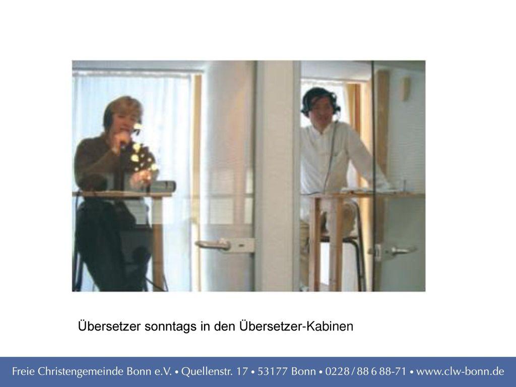 Übersetzer sonntags in den Übersetzer-Kabinen