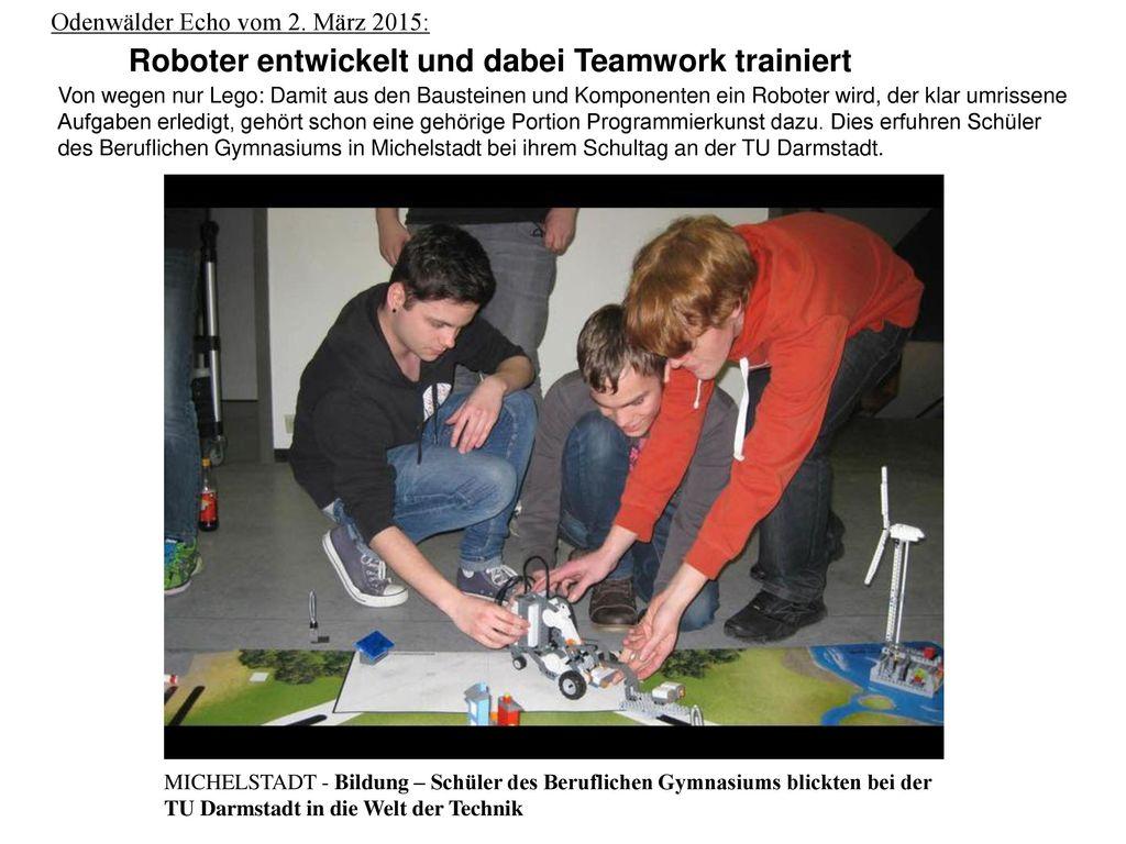 Roboter entwickelt und dabei Teamwork trainiert