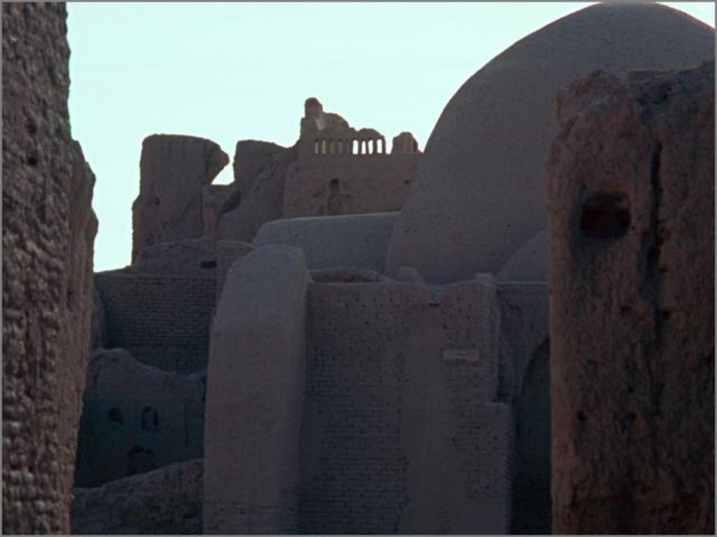 Bam (Iran) vor dem Erdbeben im Dezember 2003