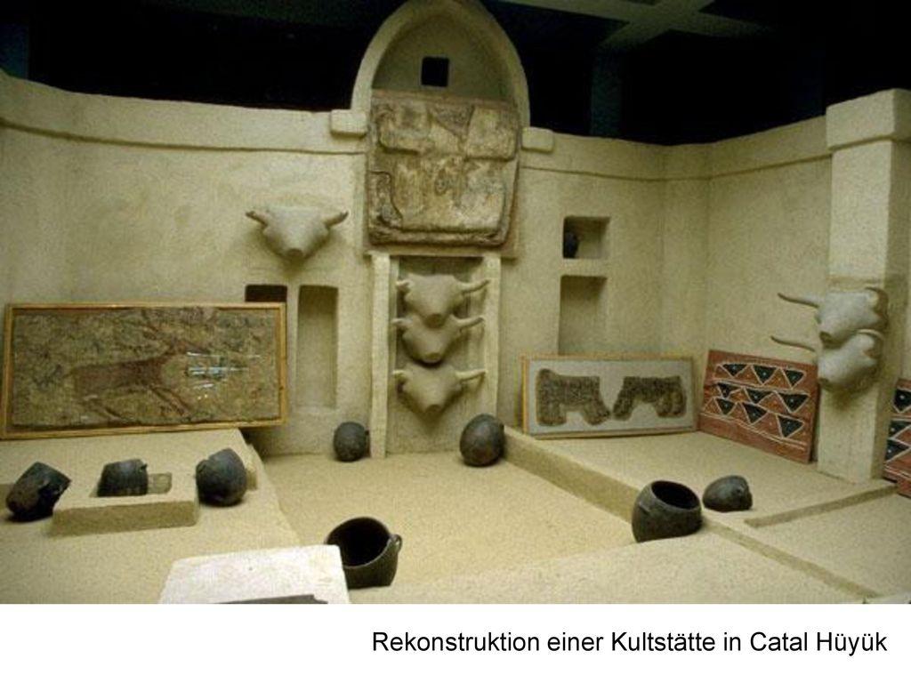 Rekonstruktion einer Kultstätte in Catal Hüyük