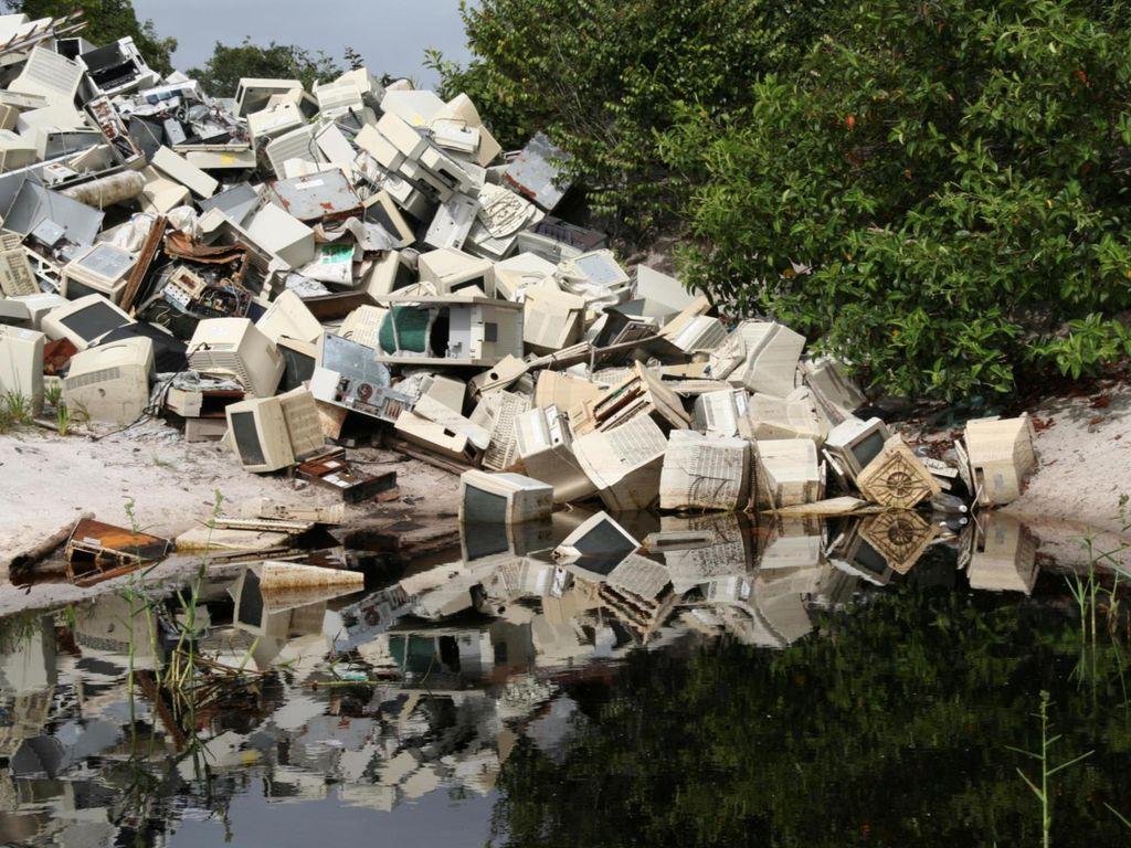 Unsachgemäße Entsorgung und Müllablagerung belastet Mensch und Umwelt!