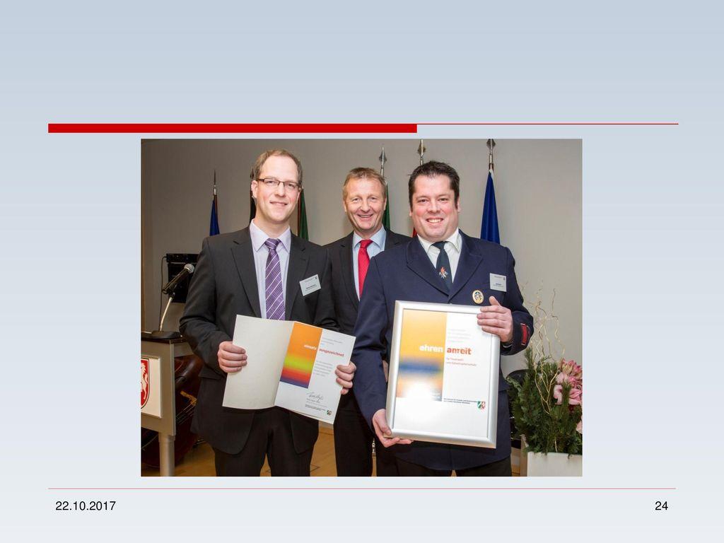 Auszeichnung der Fa. Biermann, Wormbach für den vorbildlichen Umgang mit den Feuerwehrleuten.