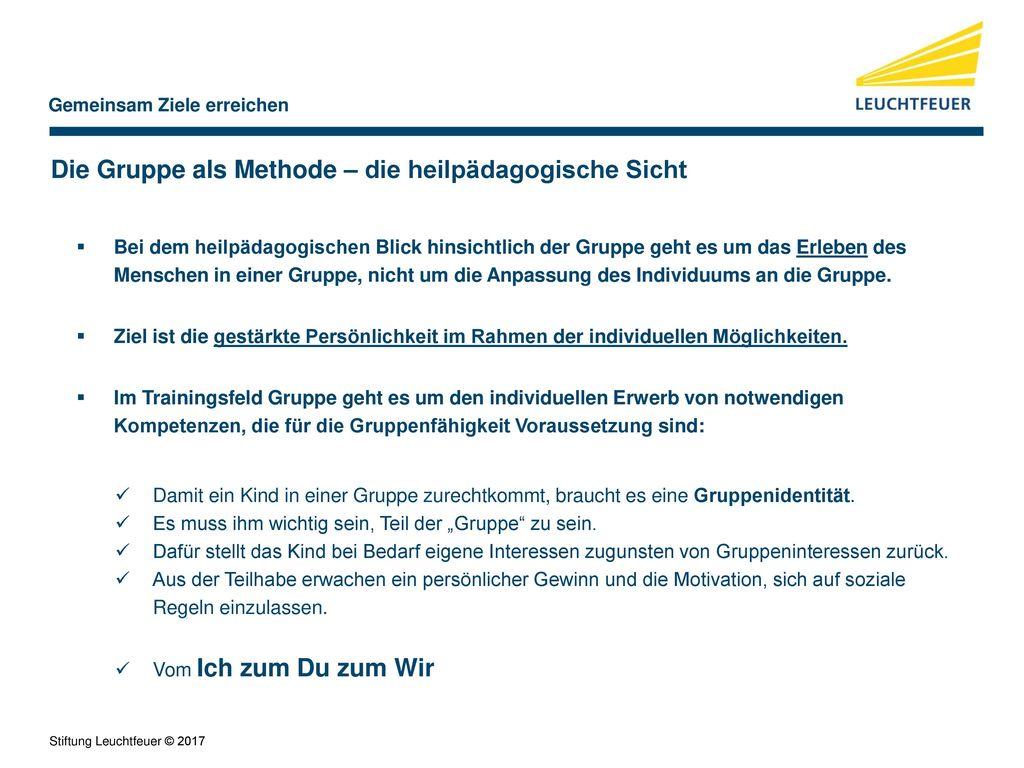 Groß Bibliotheksangestellter Nimmt Das Ziel Wieder Auf Fotos - Entry ...