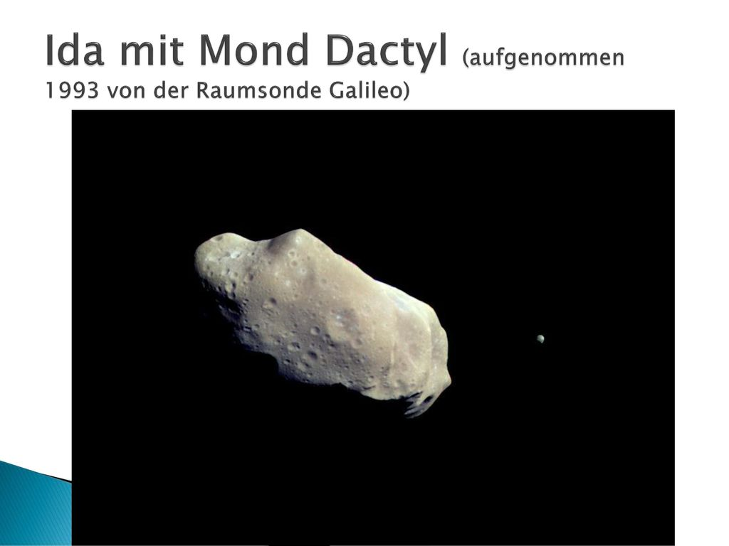 Ida mit Mond Dactyl (aufgenommen 1993 von der Raumsonde Galileo)