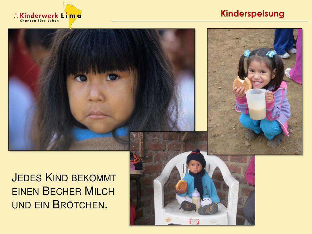 Jedes Kind bekommt einen Becher Milch und ein Brötchen.