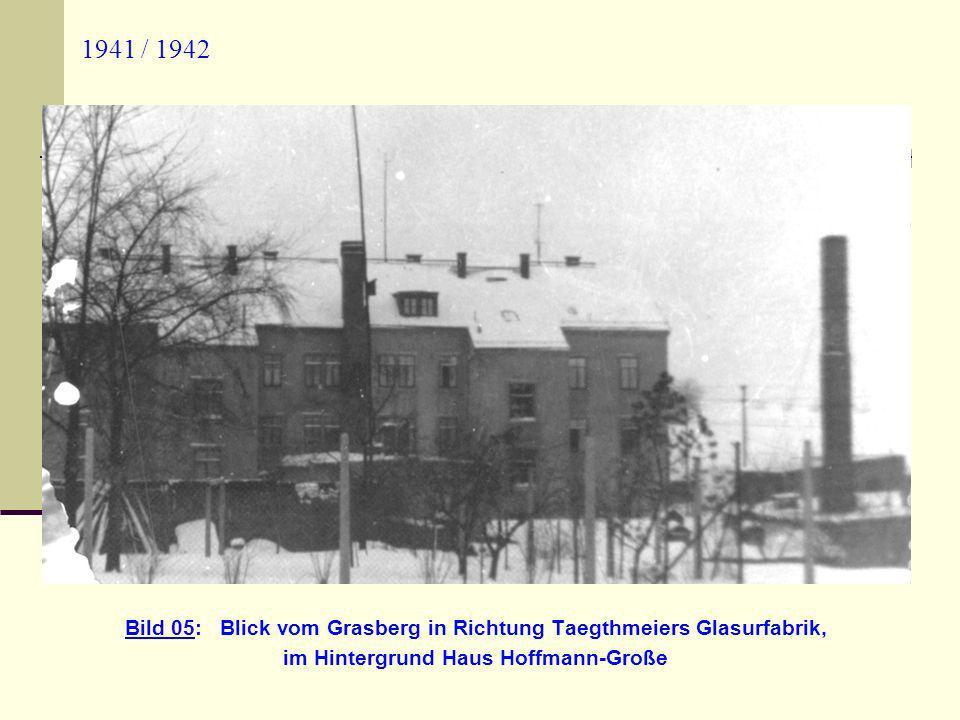 im Hintergrund Haus Hoffmann-Große