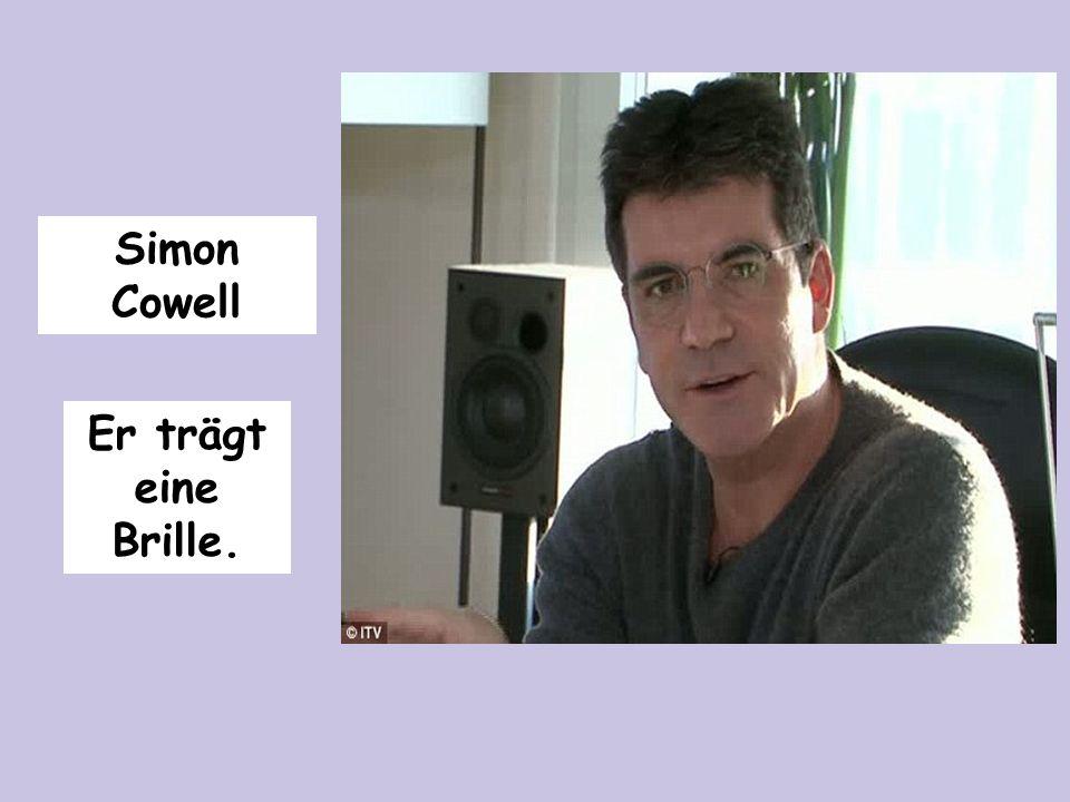 Simon Cowell Er trägt eine Brille.