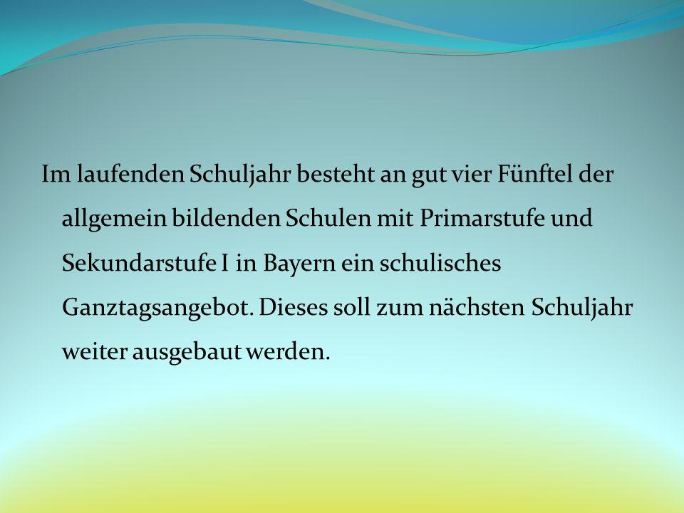 Im laufenden Schuljahr besteht an gut vier Fünftel der allgemein bildenden Schulen mit Primarstufe und Sekundarstufe I in Bayern ein schulisches Ganztagsangebot.