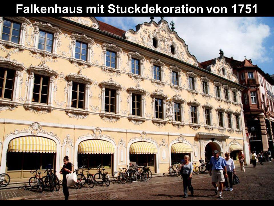 Falkenhaus mit Stuckdekoration von 1751