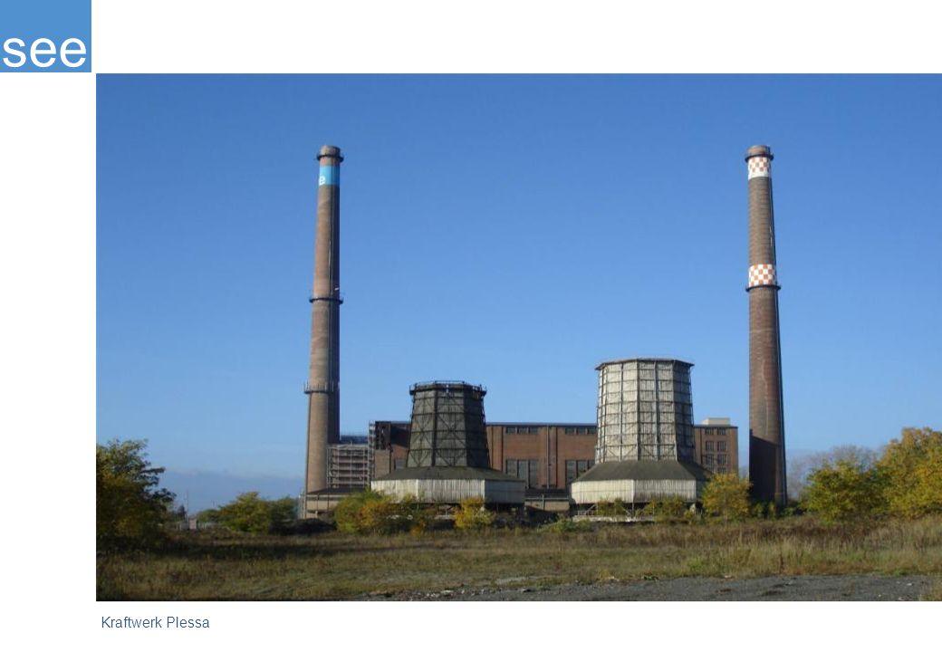 """Das Kraftwerk Plessa ist eines der ältesten Braunkohlekraftwerke Europas, das in seiner ursprünglichen Bausubstanz erhalten ist. Dieser authentische Ort der Arbeits-, Industrie- und Sozialgeschichte soll gesichert und erhalten werden. Ziel ist es, diese alte """"Kathedrale der Arbeit als Symbol für den Strukturwandel durch ein neues Nutzungskonzept nachhaltig zu entwickeln."""