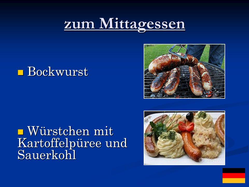 zum Mittagessen Bockwurst Würstchen mit Kartoffelpüree und Sauerkohl