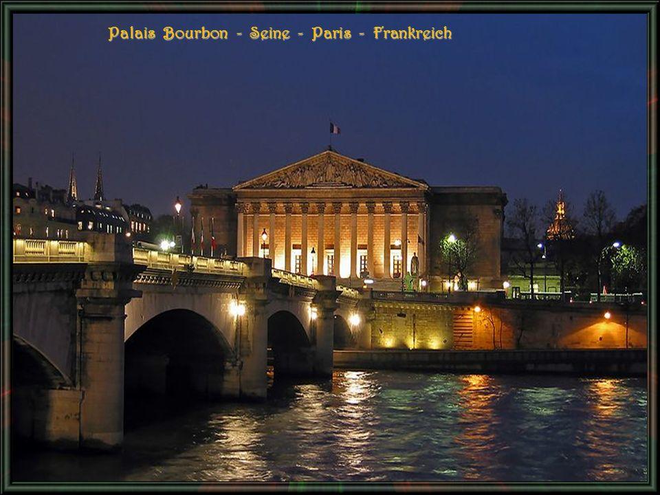 Palais Bourbon - Seine - Paris - Frankreich