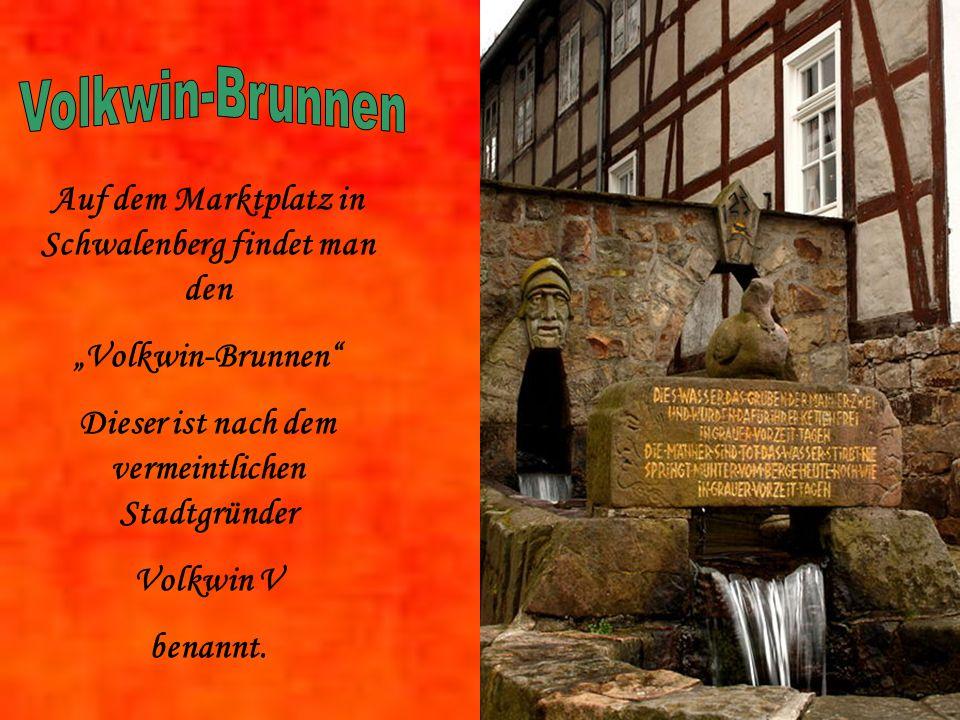 Volkwin-Brunnen Auf dem Marktplatz in Schwalenberg findet man den
