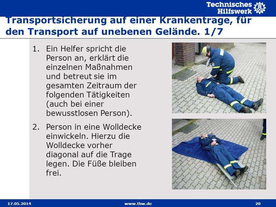 Transportsicherung auf einer Krankentrage, für den Transport auf unebenen Gelände. 1/7