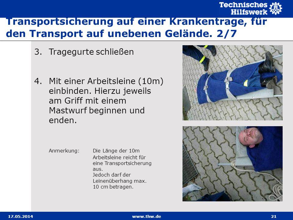 Transportsicherung auf einer Krankentrage, für den Transport auf unebenen Gelände. 2/7