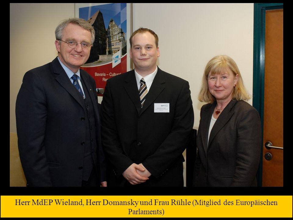 Herr MdEP Wieland, Herr Domansky und Frau Rühle (Mitglied des Europäischen Parlaments)