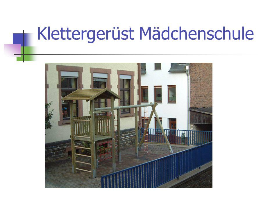 Klettergerüst Mädchenschule
