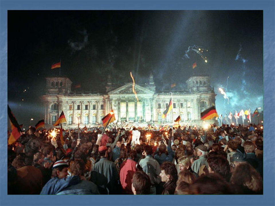 Der Tag der Wiedervereinigung Deutschlands ist am ... .
