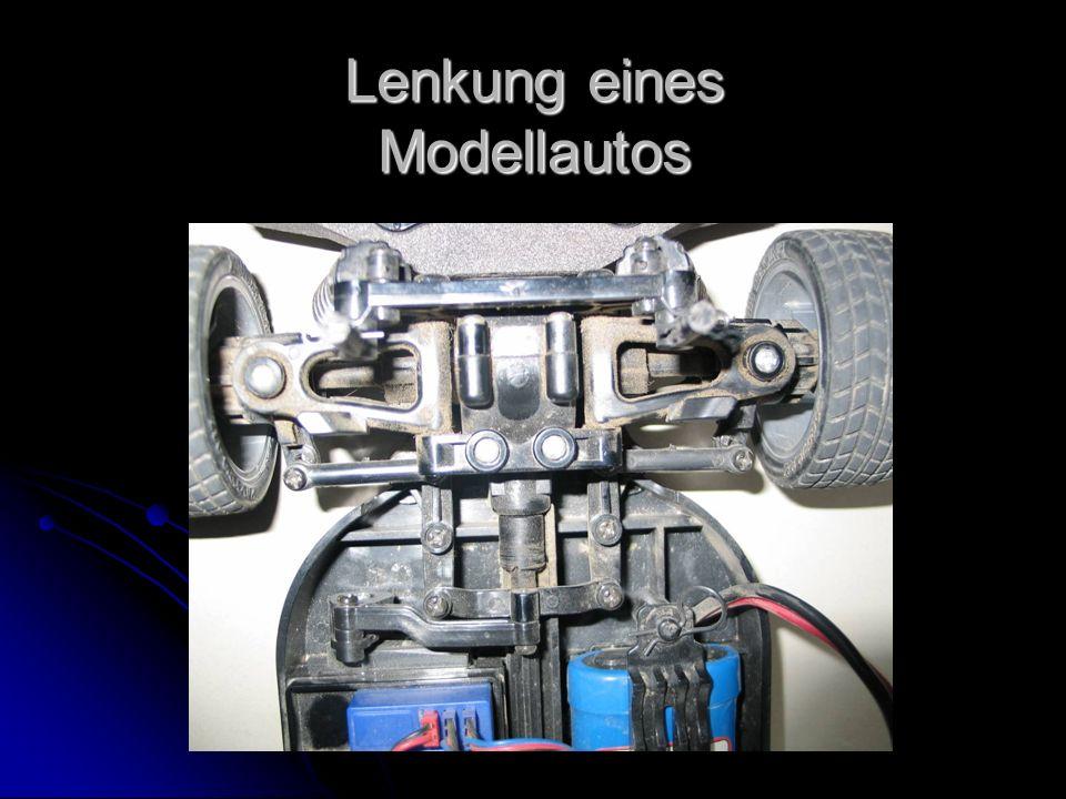 Lenkung eines Modellautos