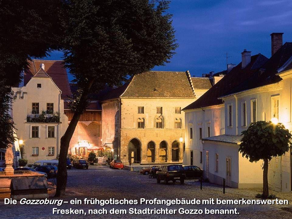 Die Gozzoburg – ein frühgotisches Profangebäude mit bemerkenswerten Fresken, nach dem Stadtrichter Gozzo benannt.