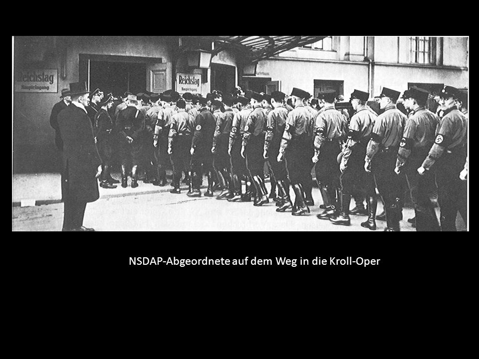 NSDAP-Abgeordnete auf dem Weg in die Kroll-Oper