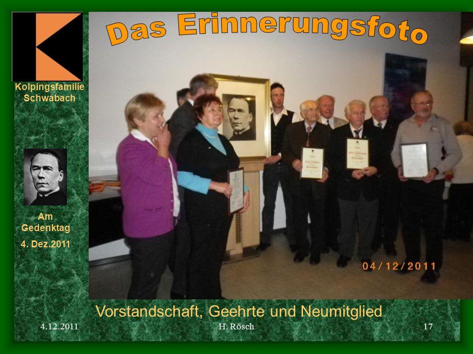 Das Erinnerungsfoto Vorstandschaft, Geehrte und Neumitglied 4.12.2011