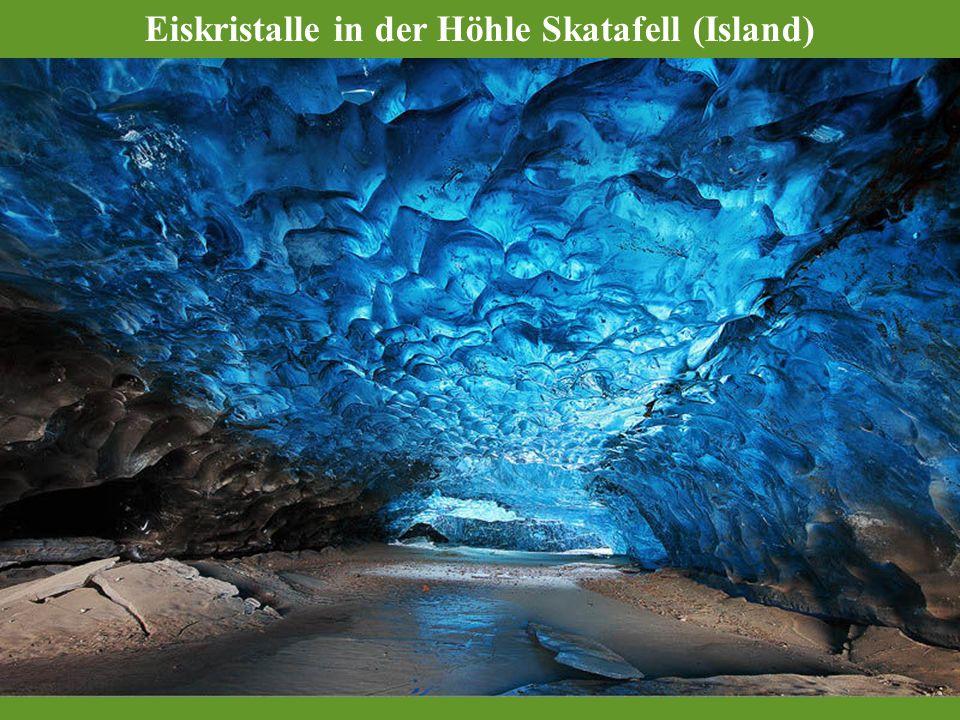 Eiskristalle in der Höhle Skatafell (Island)