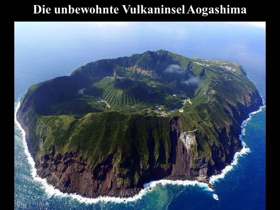 Die unbewohnte Vulkaninsel Aogashima
