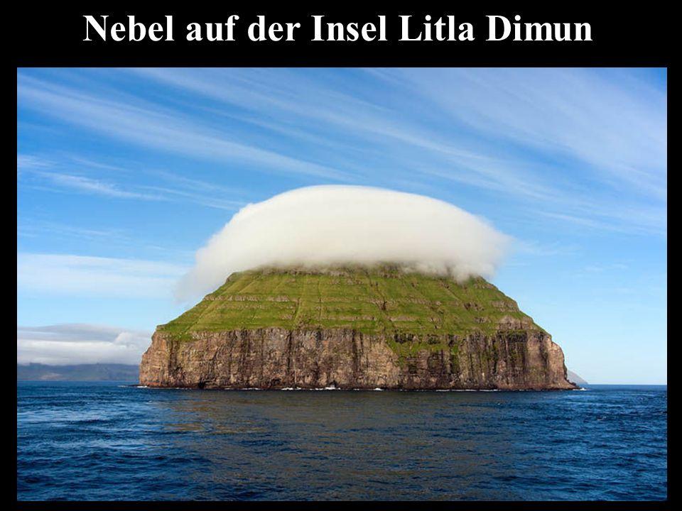 Nebel auf der Insel Litla Dimun