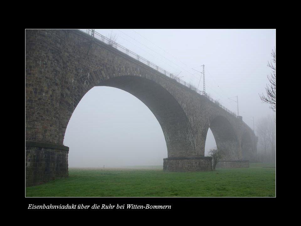 Eisenbahnviadukt über die Ruhr bei Witten-Bommern