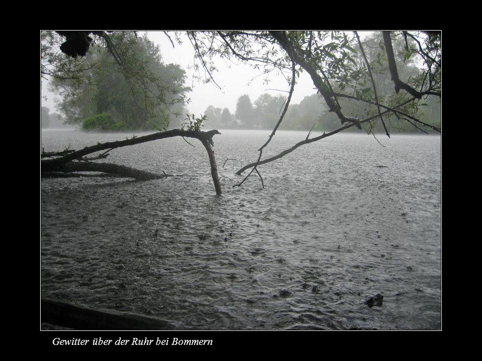 Gewitter über der Ruhr bei Bommern