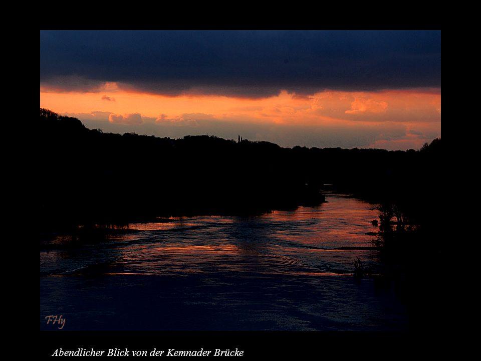 Abendlicher Blick von der Kemnader Brücke