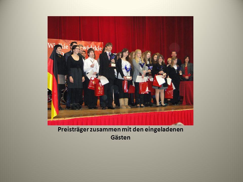 Preisträger zusammen mit den eingeladenen Gästen