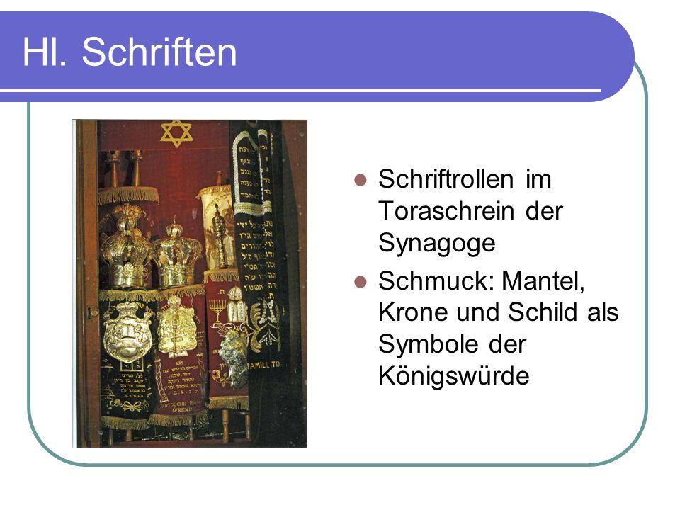 Hl. Schriften Schriftrollen im Toraschrein der Synagoge