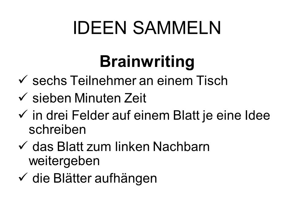 IDEEN SAMMELN Brainwriting sechs Teilnehmer an einem Tisch