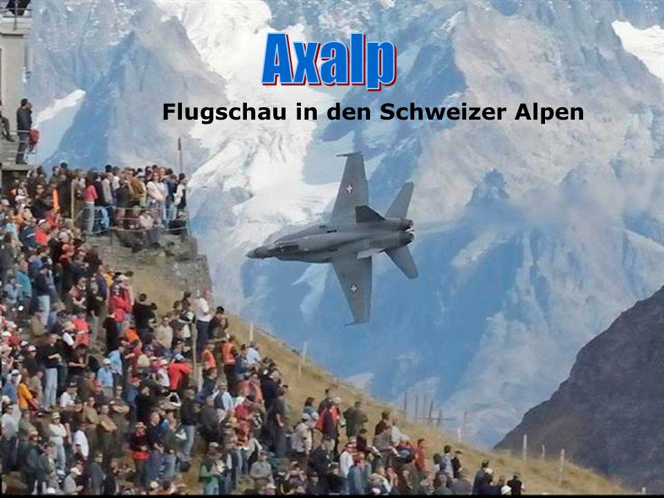 Axalp Flugschau in den Schweizer Alpen