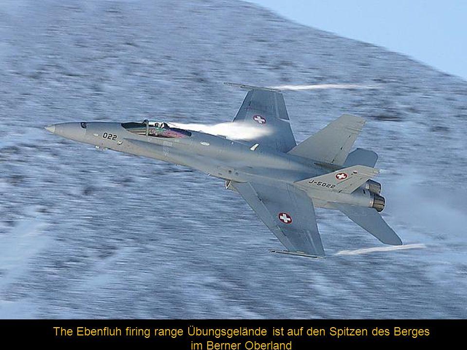 The Ebenfluh firing range Übungsgelände ist auf den Spitzen des Berges