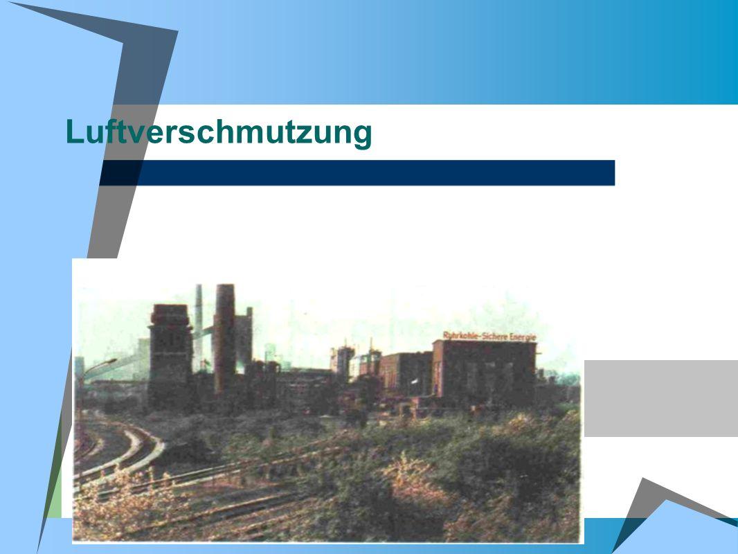 Luftverschmutzung Ein grosses Stahlwerk wirft in den Himmel